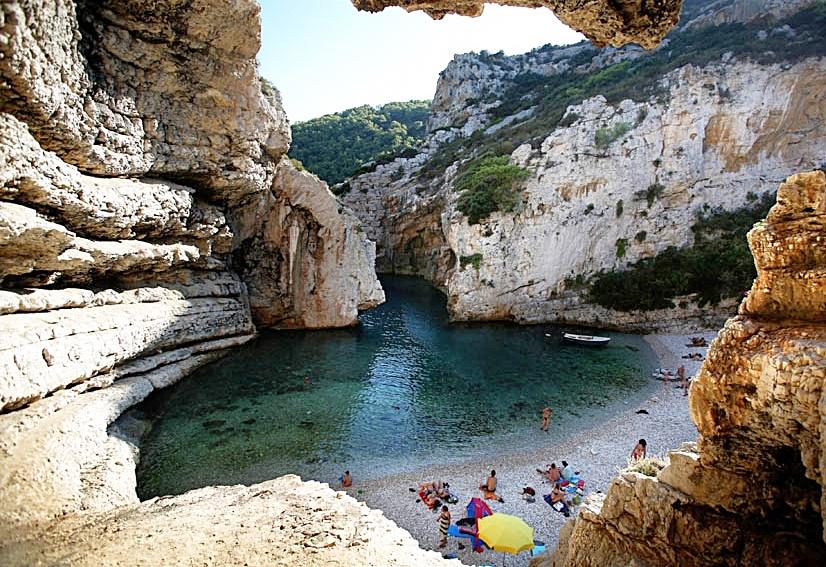 Otok Vis, 16.08.2012 - Stiniva, jedna od najljepsih plaza na Jadranu