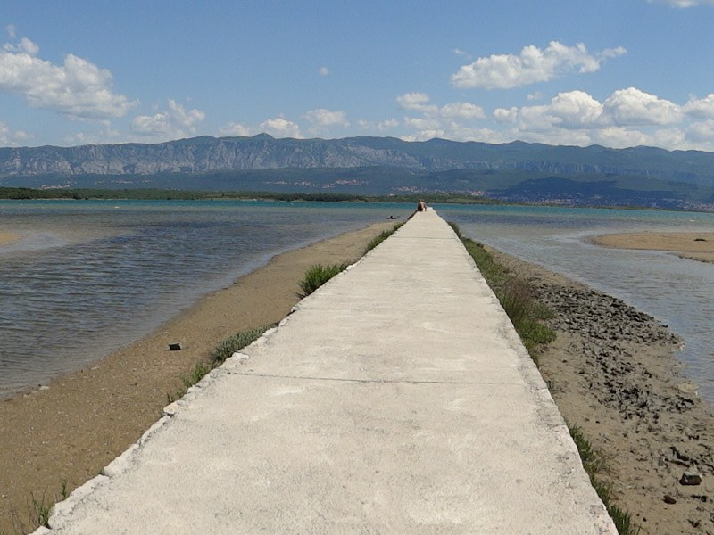 07_croatia_island-krk-beaches-soline-bay-beach-meline_kroatien-insel-krk-strande_chorvatsko-ostrov-krk-plaž